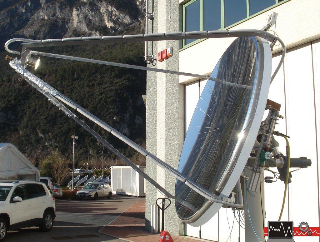 Inseguitore solare a concentrazione fotovoltaico