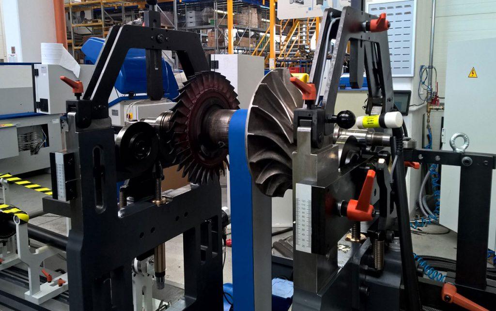 Equilibratura a due piani del rotore di una turbina