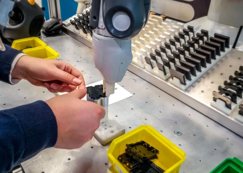 La protezione degli operatori nella robotica collaborativa
